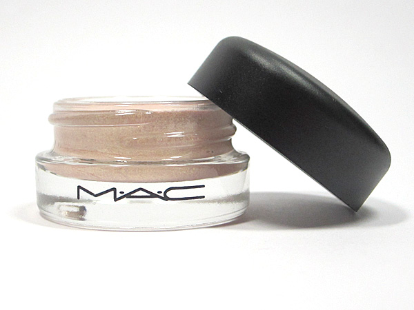 Prolongwear paint pot de Mac